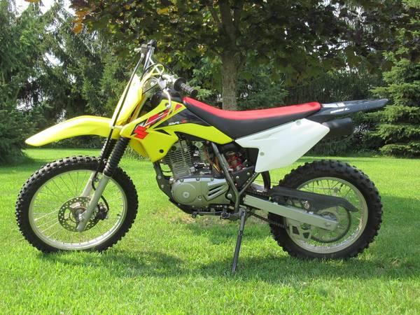 Photo 125 Suzuki dirt bike - $2,600 (Pound)