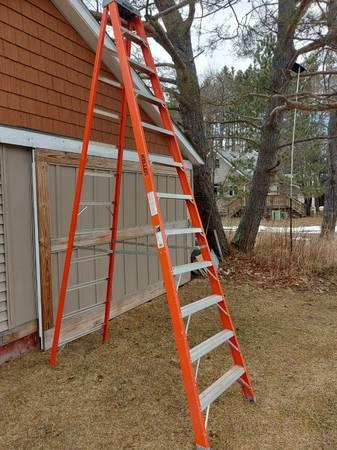 Photo 12 Ft Ladder - $180 (Rhinelander, WI)