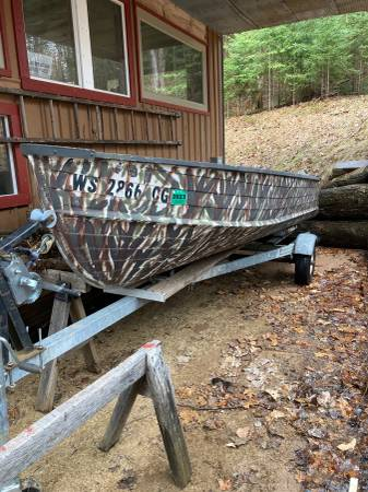 Photo 14 foot Starcraft boat - $375 (HARSHAW)