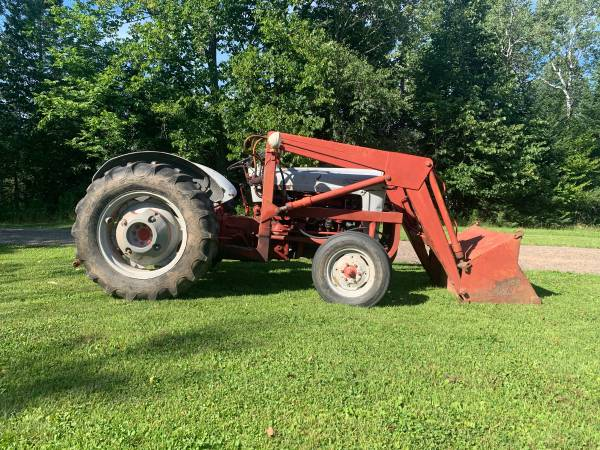 Photo 1954 Ford 800 Tractor with Loader - $3,500