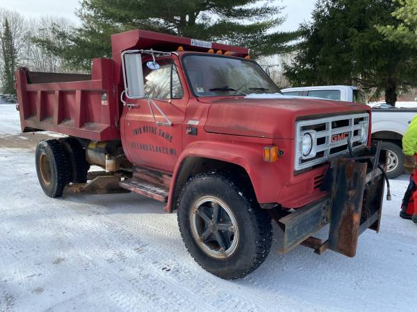 Photo 1987 GMC 7000 Dump Truck with Belly Blade and Plow - $9,500 (Land O Lakes)