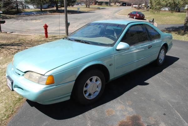 Photo 1995 Ford Thunderbird - $4,500 (Ladysmith)