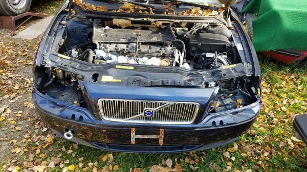 Photo 2000 Volvo S80 T6 twin turbo, parting out - $5 (Rhinelander WI)