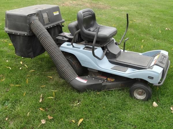 Photo 2002 Dixon 3303 ztr Zero Turn 30in lawn mower with Bagger - $500 (Weston, WI)