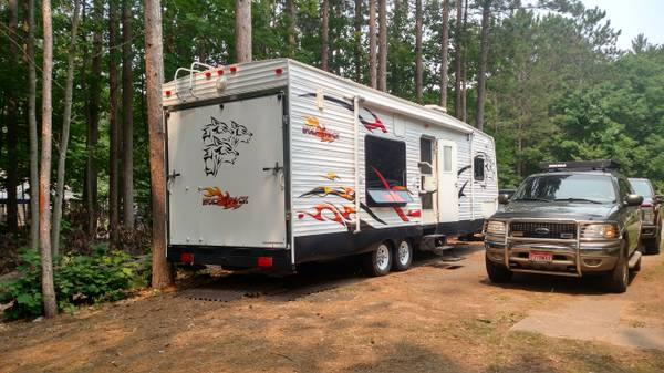 Photo 2006 Forest River Cherokee Wolfpack 30WP - $11,500