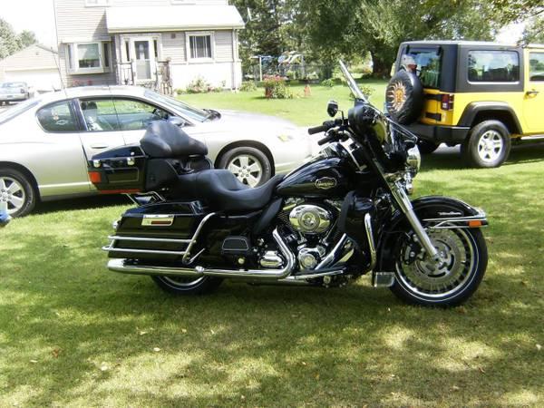 Photo 2010 Harley Davidson ultra classic - $13,500 (Tower)