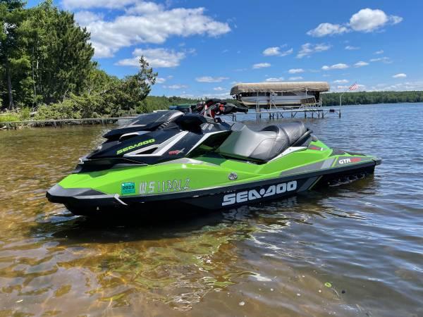Photo 2017 Seadoo GTR X 230 - $13,500