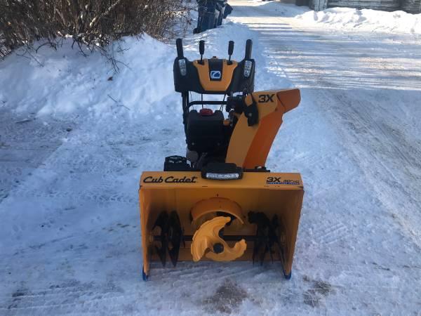 Photo 2018 Cub Cadet 3x30 HD Snowblower - $1,200 (Spooner)
