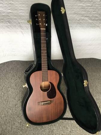 Photo 2018 Martin Guitar 00-15M - $1,000 (Neenah)