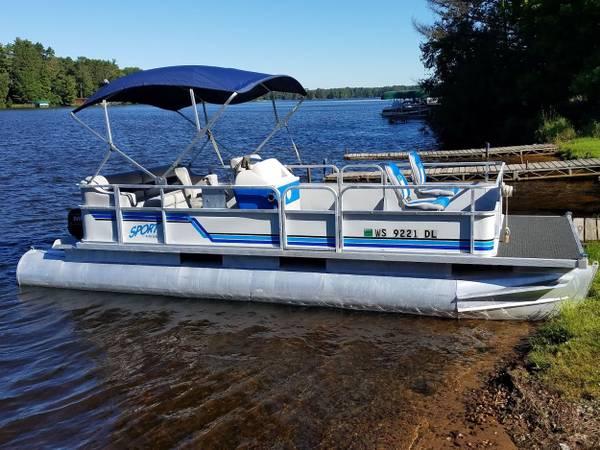 Photo 2239 Crest Sport pontoon boat and 40 HP Evinrude outboard - $6,995 (Rhinelander)