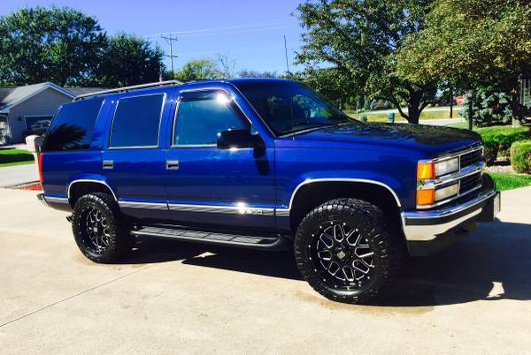 Photo 97 lifted Chevy Tahoe - $11,500 (Rhinelander)