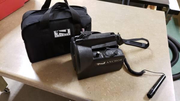 Photo Anchor Mini Vox Portable PA - $100 (Eagle River)