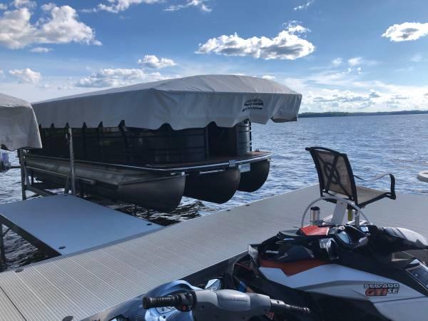 Photo Boat lift 5k lbs Shore Station - $16 (Pelican Lake)