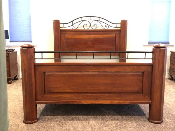 Photo Bob Timberlake - Queen Bed - $650