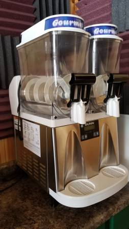 Photo Bunn slushie machine - $500 (tomahawk)