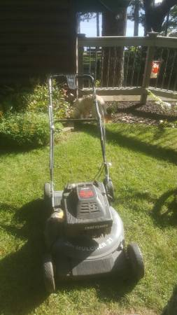 Photo Craftsman Eager 1 rear propelled lawn mower. - $20 (Hayward)