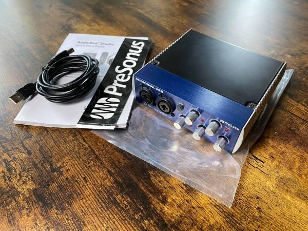 Photo Digital Audio Interface USB - $65 (Grand Chute)