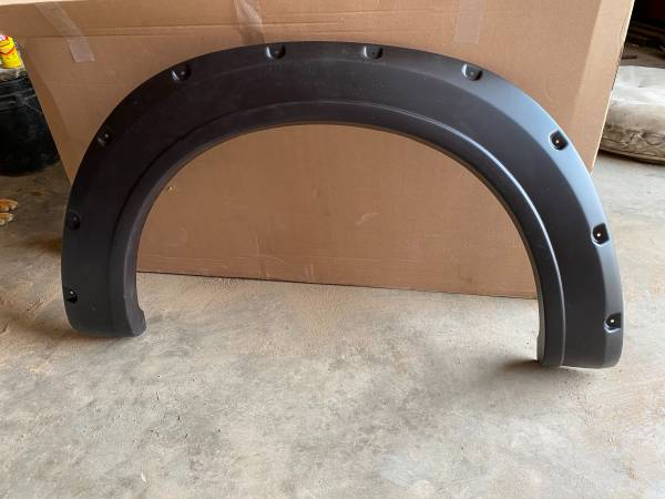 Photo Fender Flares - $75 (White Lake)