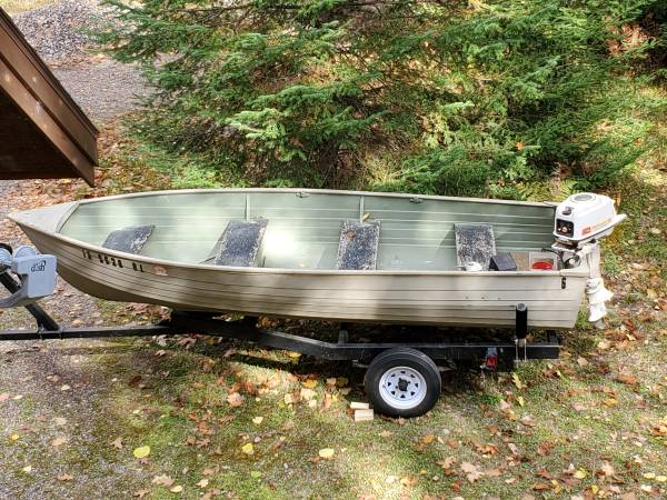 Photo Fishing boat 14 ft Crestliner - $800 (Star Lake)