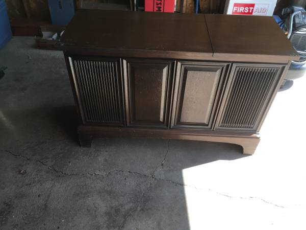 Photo GeneralElectric Console Stereo (Twig,MN)