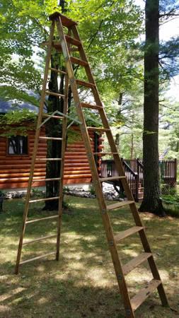 Photo Goshen Wood 12 ft. Step Ladder - $90 (Cable)