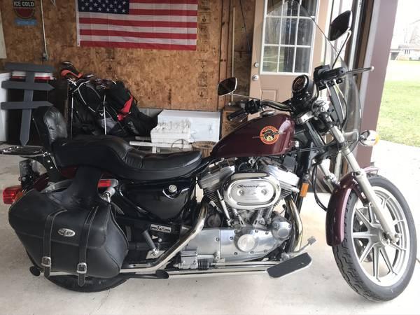 Photo HD Sportster Motorcycle - $3,500 (Lena)