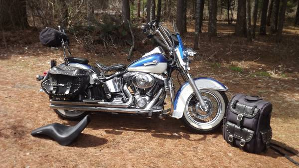 Photo Harley Heritage Classic Softail 2002 - $5,900 (Eagle River)