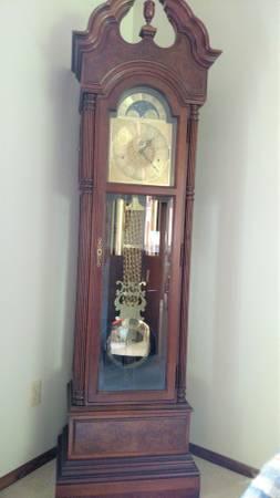 Howard Miller Grandfather Clock 1900 Ladysmith Wi
