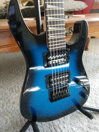 Photo Jackson guitar and Peavy  - $200 (Tomahawk)
