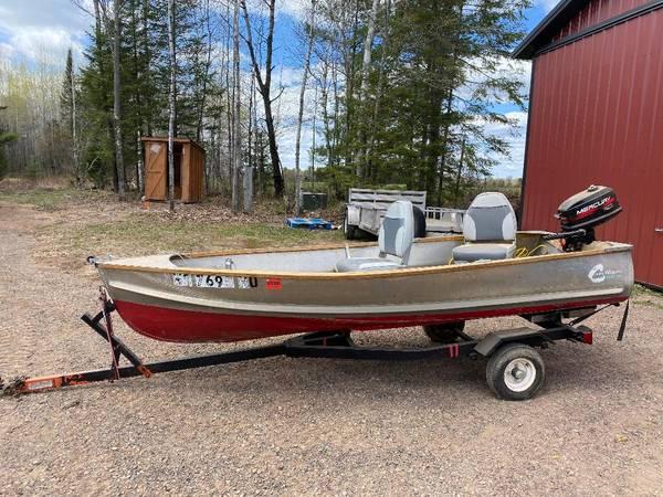 Photo Larson Crestliner Fishing Boat - $700 (Hayward)