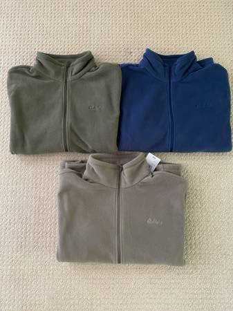 Photo Mens Cabelas fleece jackets - $10 (Rhinelander)
