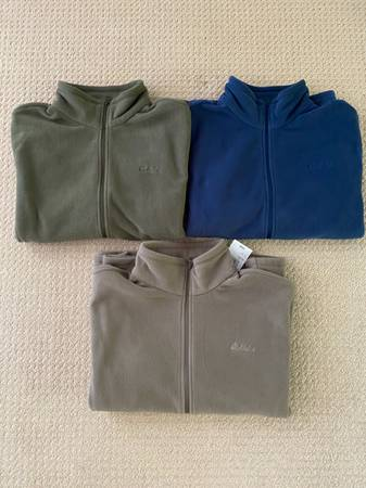 Photo Mens Cabelas fleece jackets - $15 (Rhinelander)