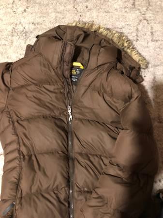 Photo Mountain hard wear womens down long Winter coat brown large - $35 (St germain)