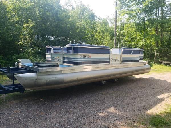 Photo Pontoon Boat Fire Sale - $1,000 (Lac du Flambeau)