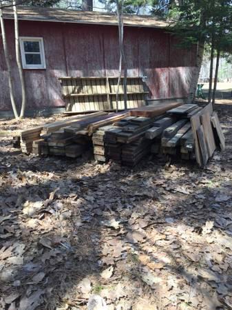 Photo Reclaimed lumber - $1 (Rhinelander)