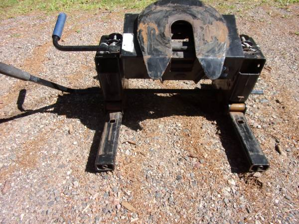 Photo Reese Pro Series 5th wheel hitch - $375 (Mercer)