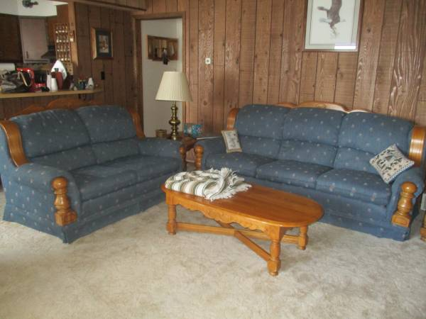 Photo SOFA, LOVE SEAT, AND CHAIR WITH OTTOMAN (PHELPS, WI)