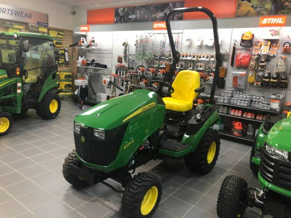 Photo Used 2020 John Deere 1025R Tractor - $12,999 (Abrams, Wi)