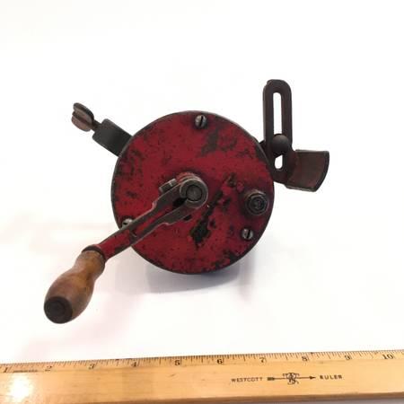 Photo Vintage hand crank grinder  sharpener - $20 (Spooner)