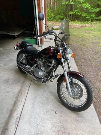 Photo Yamaha 2009 V Star 250 - $1,850 (Madison)