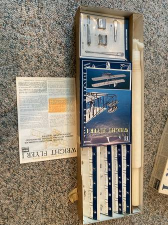 Photo vintage air plane model kit - $15 (Appleton)