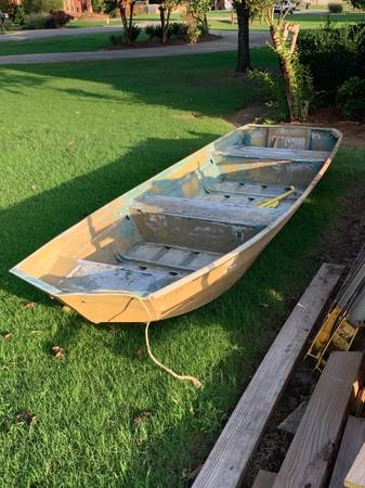 Photo 14 ft Jon Boat  6 hp motor - $1,000 (Tupelo, MS)