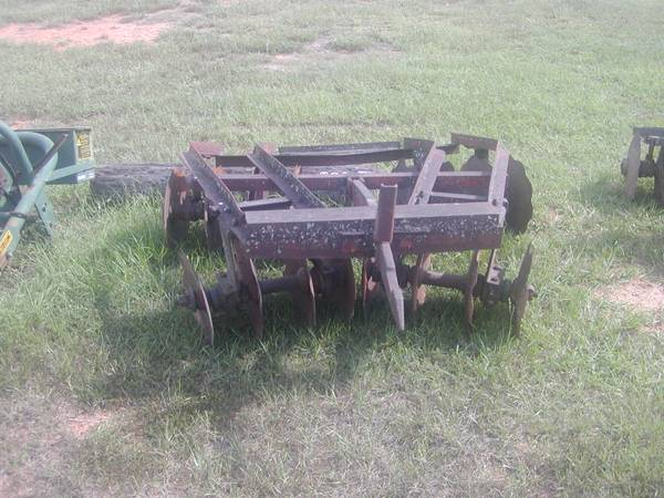 Photo 1 Point Hitch Disc for Farmall Tractor - $350 (Caledonia, Ms.)