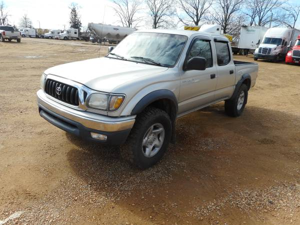 Photo 2001 Toyota Tacoma Prerunner 4 Door (Silver) - $8,900 (West Point MS)