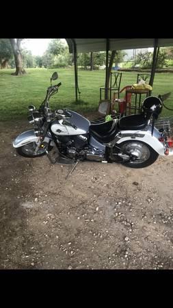 Photo 2002 Yamaha Vstar 650 - $900 (Memphis)