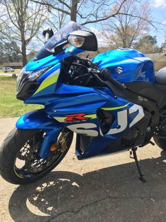 Photo 2015 Suzuki GSXR 1000 - $8,500 (Meridian, MS)