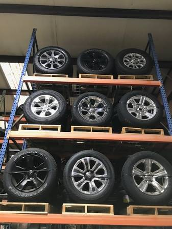 Photo 2020 Ram 2019 1500 set 20 factory new take off wheel s tire s - $1,350 (BOONEVILLE MS)