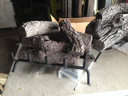 Photo 36 in. NEW VENTED GAS LOG SETS - $125 (memphis tn)