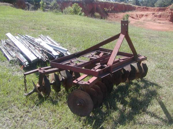 Photo 3 point hitch 839 Disc - $200 (Caledonia, Ms.)