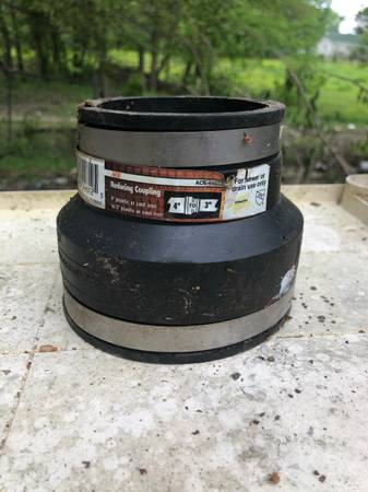 Photo 4quot x 3quot Flexible Pipe Connector Coupling - Reducer, Enlarger, Ace 44612 - $10 (Dyer)